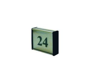 62x75mm dvipusė lentelė numeriui su juodais antgaliais ir juodu užrašu