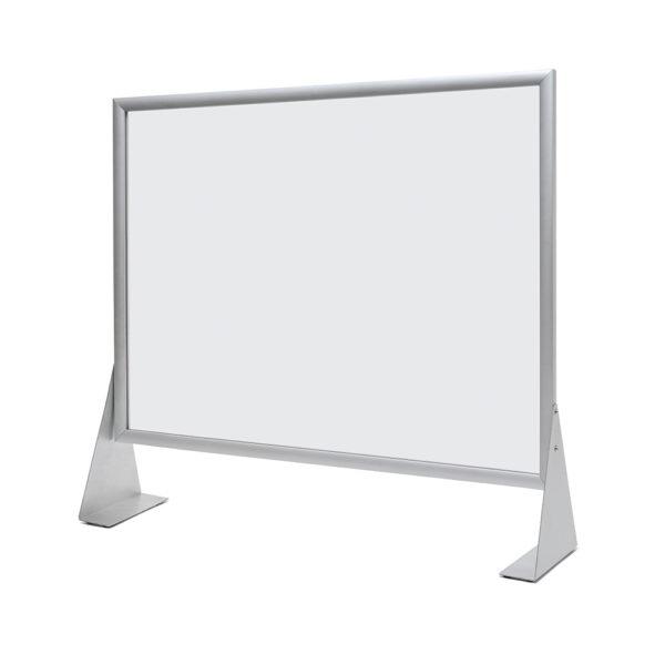Horizontali Organinio stiklo A1 formato apsauginė sienelė su aliuminio rėmais, skirta apsaugoti nuo bakteriju.